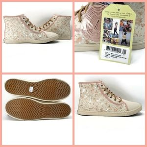 NEW- Toms Camarillo High Top Sneaker